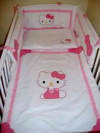Lenjerie patut Hello Kitty roz